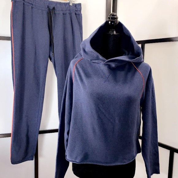 RARE Lululemon 2 pc Matching Jogger Set